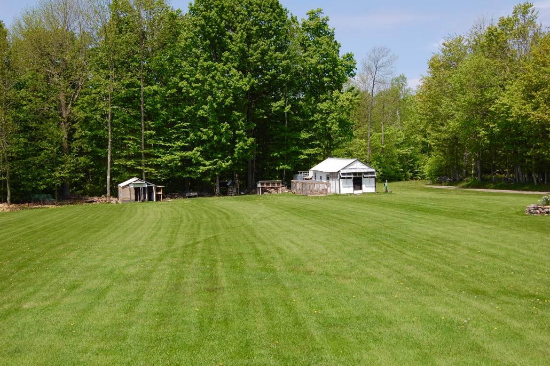 Yard-to-Barn.jpg